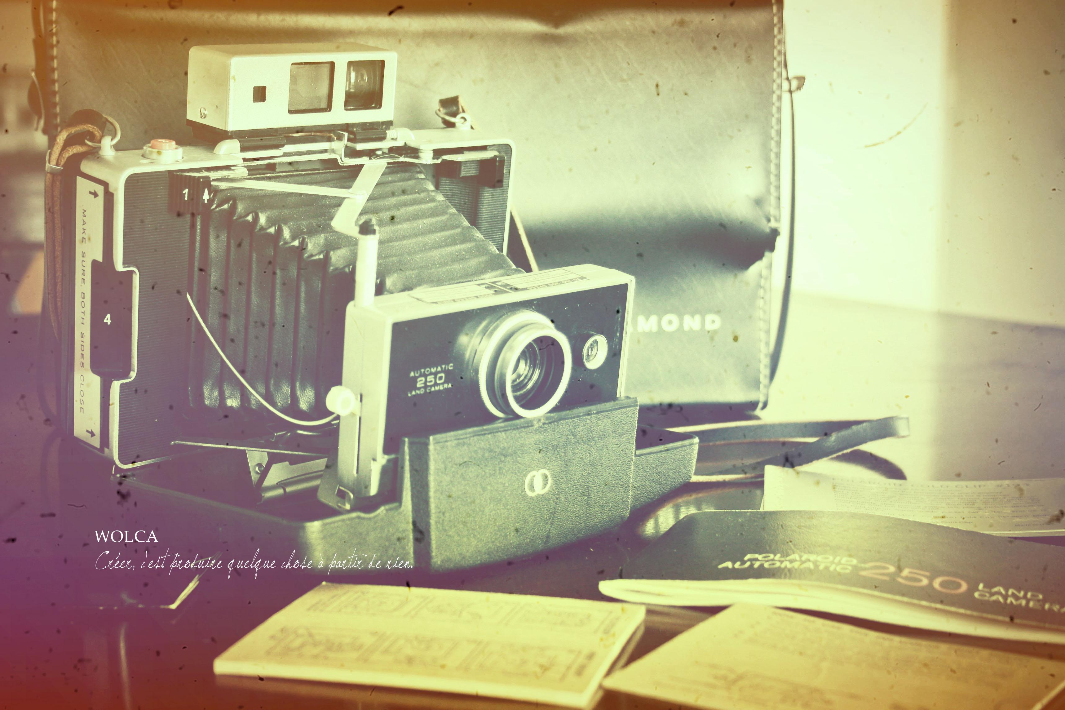 無料写真素材ダウンロード レトロなカメラの写真 Wolca